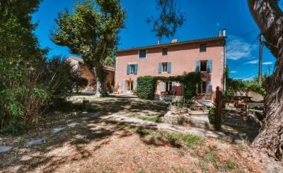 Продажа Мас, типичный южный дом Villelaure