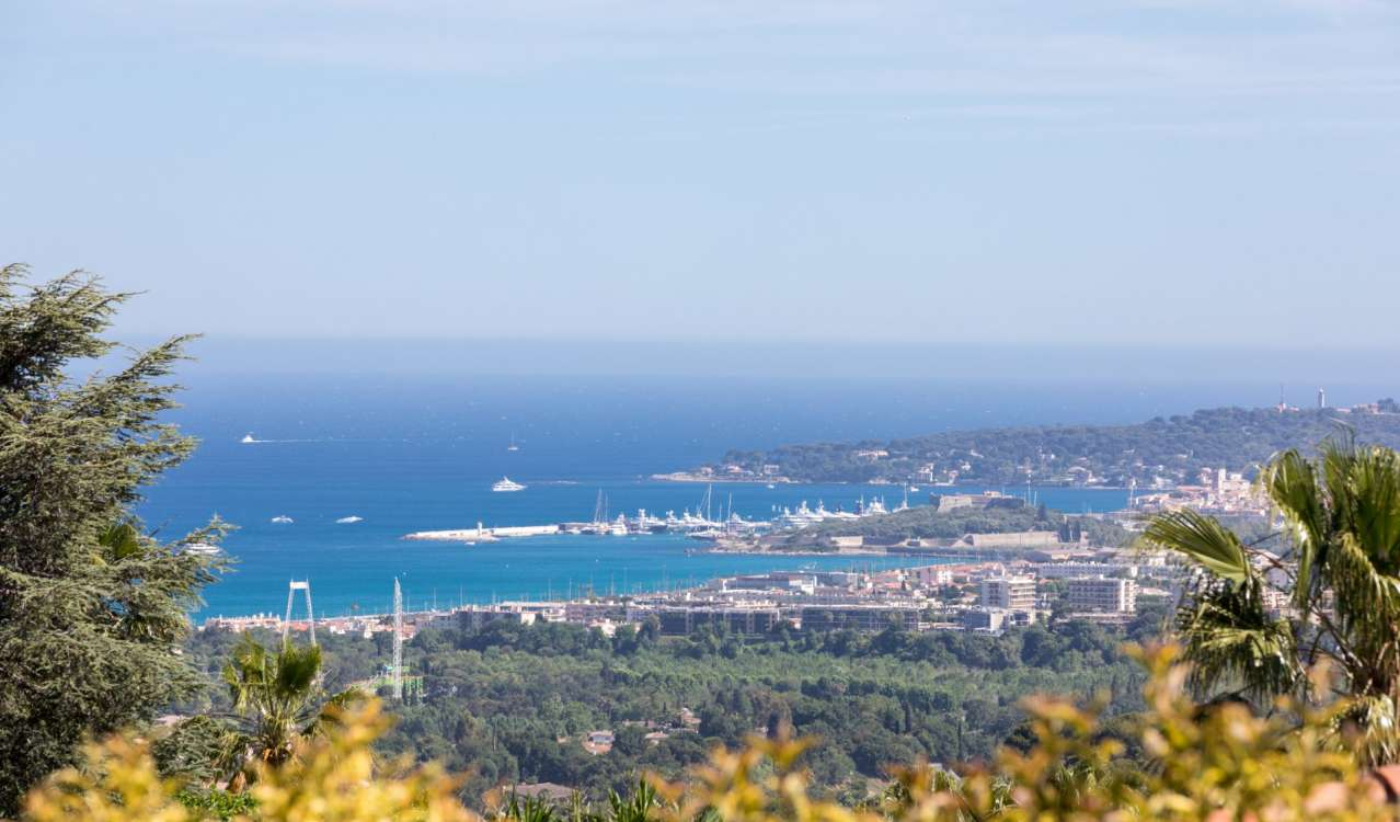 Продажа Поместье Villeneuve-Loubet
